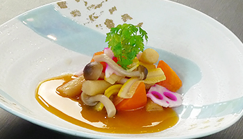 ず烏賊と根菜の焼なます 柿酢掛け