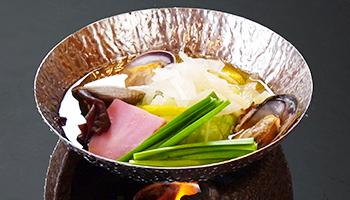 浅利(あさり)と春野菜の寄せ蒸し